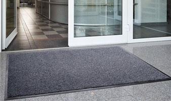 Резиновый коврик в офис большого размера